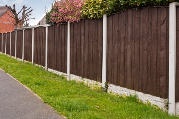 https://completehomerenovations.co.nz/wp-content/uploads/2019/10/Fencing-Auckland-Timer-Fences-.jpg