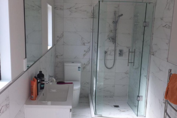 https://completehomerenovations.co.nz/wp-content/uploads/2019/11/Complete-Home-Renovations-Bathroom-Renovations.jpg