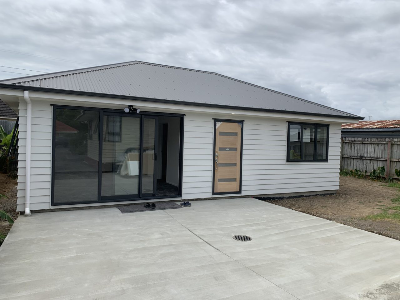 https://completehomerenovations.co.nz/wp-content/uploads/2020/02/IMG_2589-1280x960.jpg